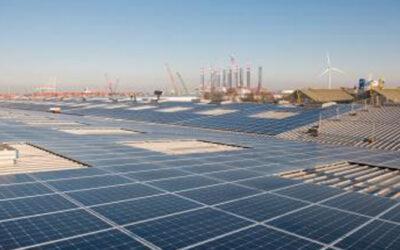26.522 nieuwe zonnepalen op daken CWT Europe in Amsterdamse haven